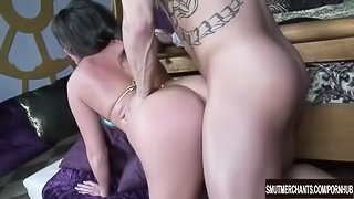 Hot MILF Blows and Fucks a Big Dick