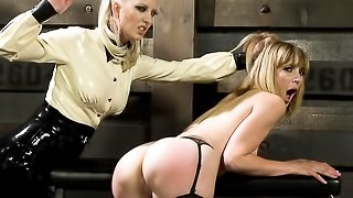 Blondie in stockings gets gagged, tied up and whipped by her mistress