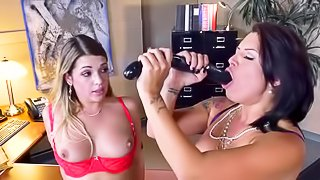 Hot lesbians are fucking in the office
