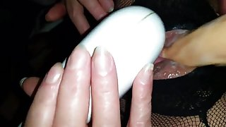 REAL AMATEUR WIFE CUMS HARD TO FAV TOY