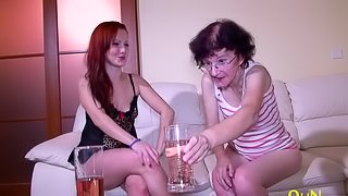 Teen and granny lesbians fingering and pussy licking masturbation