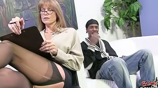 Gorgeous Busty MILF Darla Crane Let Black Dude To Nail Her Anal Hole