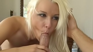 Fit blonde Stevie Shae fucked