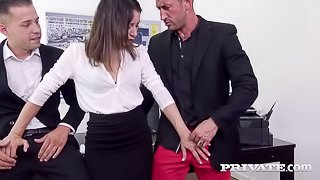 Valentina Bianco Finishes With a Red Ass After a DP Trio