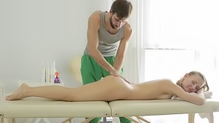 After an arousing massage she gets Nika has her twat penetrated