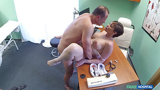 Yasmin in Tourist Loves Doctor's Cum in Pussy - FakeHospital