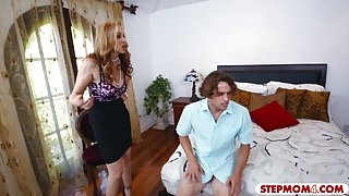 Huge boobs Milf Julia Ann fuck with stepson and the maid