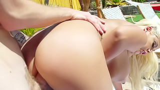 Curvy blonde porn goddess gets a huge dong in this outdoor session