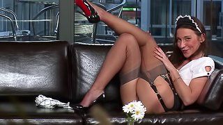 Bootylicious Julie Skyhigh gets the creampie that she deserves