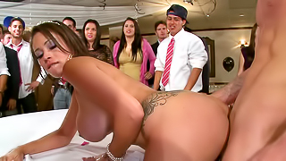 Sex party with experienced hotties that fuck like pornstars