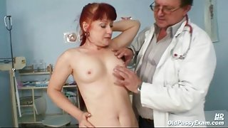 Mature fire crotch gets a pussy exam