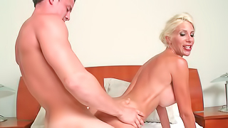 Puma Swede perfoms nice fellatio and gets smacked quite hard