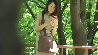 Asian girl scout with not panties got sharked in here