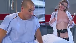 Female doc sure wants to heal this guy with sex