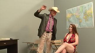 Big tits woman gets awesome sexual fun in classroom