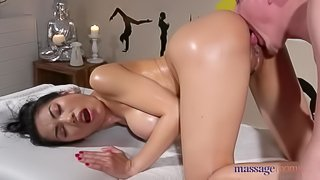 Massage Rooms Tiny Thai beauty ea oiled up fucked and squirting
