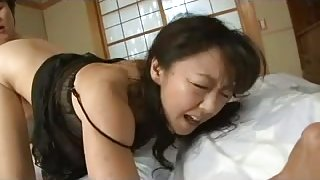 Hardcore shagging video with a hot Japanese MILF