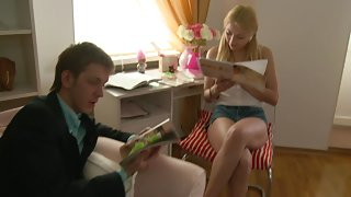 clips of blonde teen spreading her legs wide