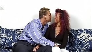 Ugly amateur bitch gets her cunt smashed after sucking a cock
