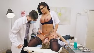 Busty nurse face sitting patient before a wild fuck