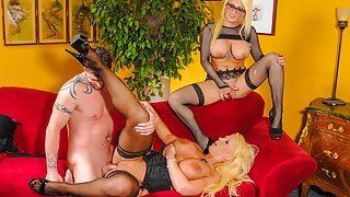 Enchanting threesome porn featuring busty babes