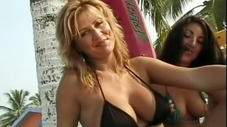Incredible Lesbian With Nice Ass Getting Her Natural Tits Fiddled