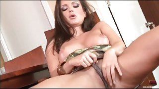 Sandra Shine wet pussy in close up