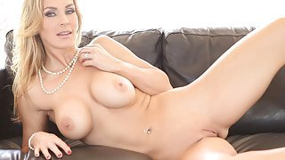 Suave blonde dolly wanks a...