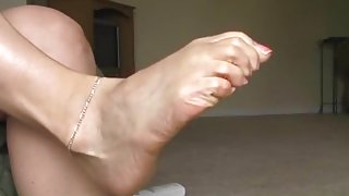 raceplay foot domme humiliation -racist mistress