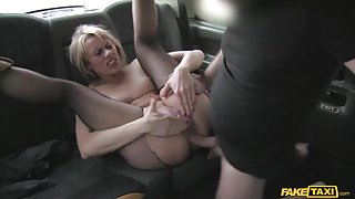 Brittany in Anal sex pays for Czech babes fare - FakeTaxi