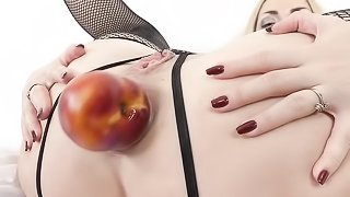 Slut shoves an apple in her ass before BBC anal