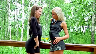 What can be better that fucking two luxury babes