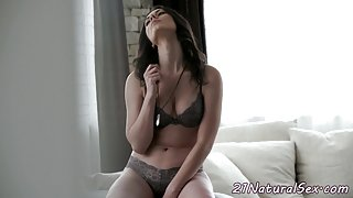 Alluring girlfriend pussyfucked on couch