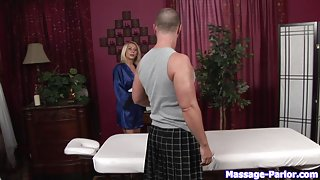 Massage-Parlor: It's Good To Be King