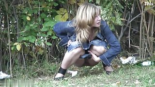 Girls Pissing voyeur video 42