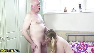 Curvy slut seduces grandpa for a good fucking