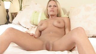 Sexy nude milf gives a fun interview