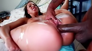 Teanna Trump shows her natural boobs and enjoys jumping on a BBC