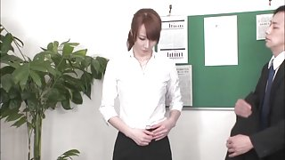 Ass Play Gives Reiko Sawamura High Marks At The Office