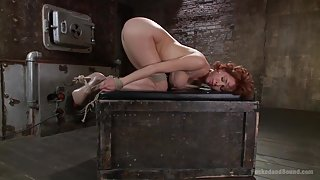 MILF Slave in Dungeonsex Video