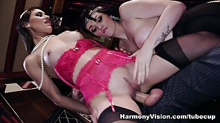 Jess West & Lexi Lowe & Jasmine James in The After Dinner Wild Orgy - HarmonyVision