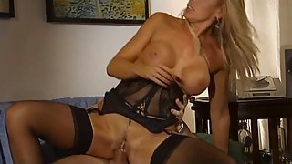 Italian Milf Diva Has Good Sex