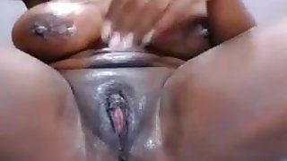 Ebony pussy squirts and play hard