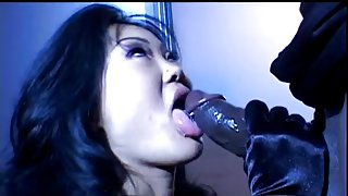 Lucy Lee (Oriental) likes fucking large dark knob