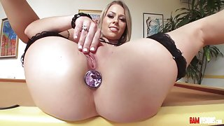 Zoey Monroe Rubs Her Pussy then gets fucked