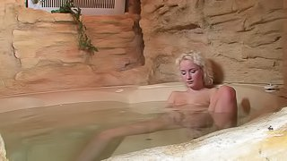 Hardcore Pussy Smashing In With Ludka In And Out Of A Hot Tub