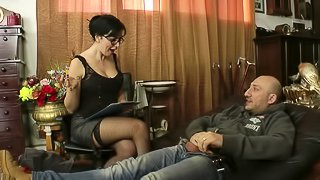 Guy gets lucky with stunning brunette MILF Asia Morante