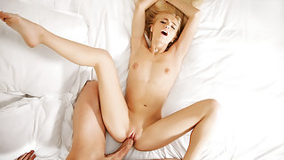 Alex Grey in Naked Perfection - PassionHD