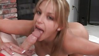 Pierced tongue makes close up blowjob sexier